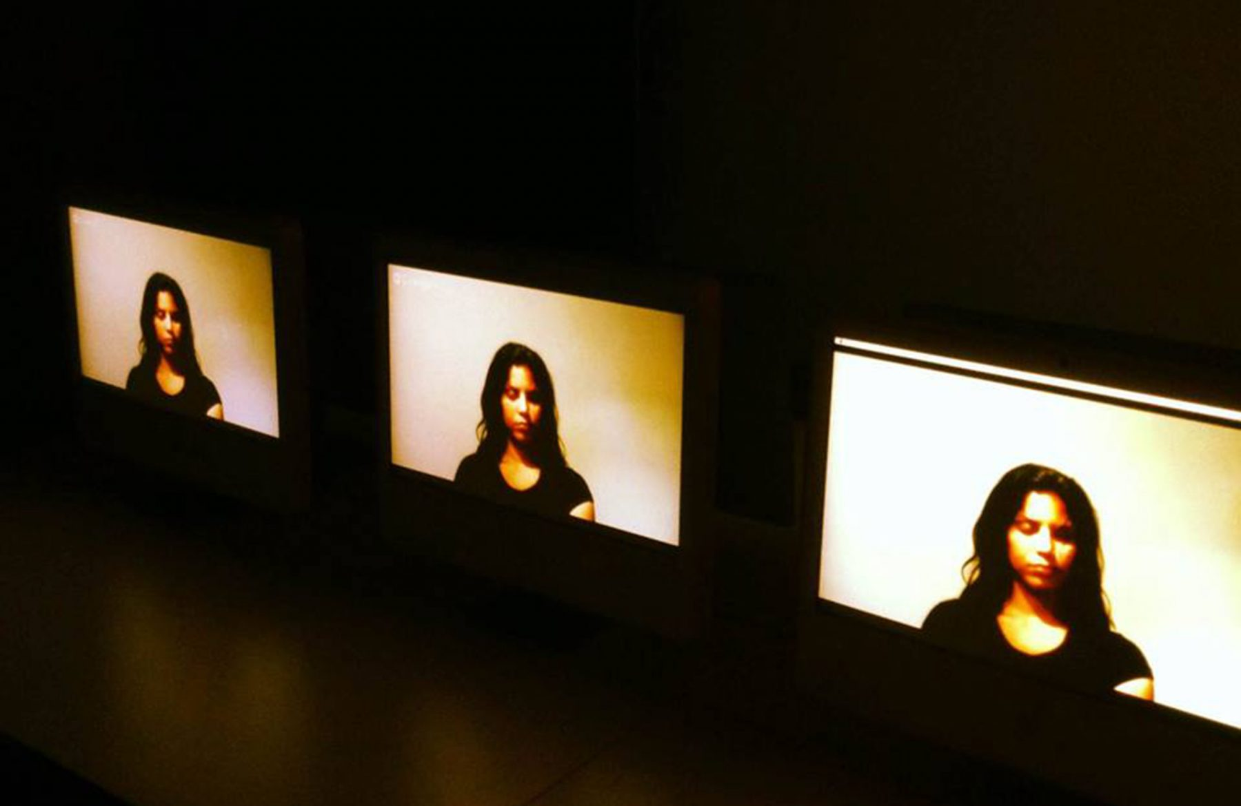 4. A drop of honey, 2013 - Performance, Opening (Naivy Perez)