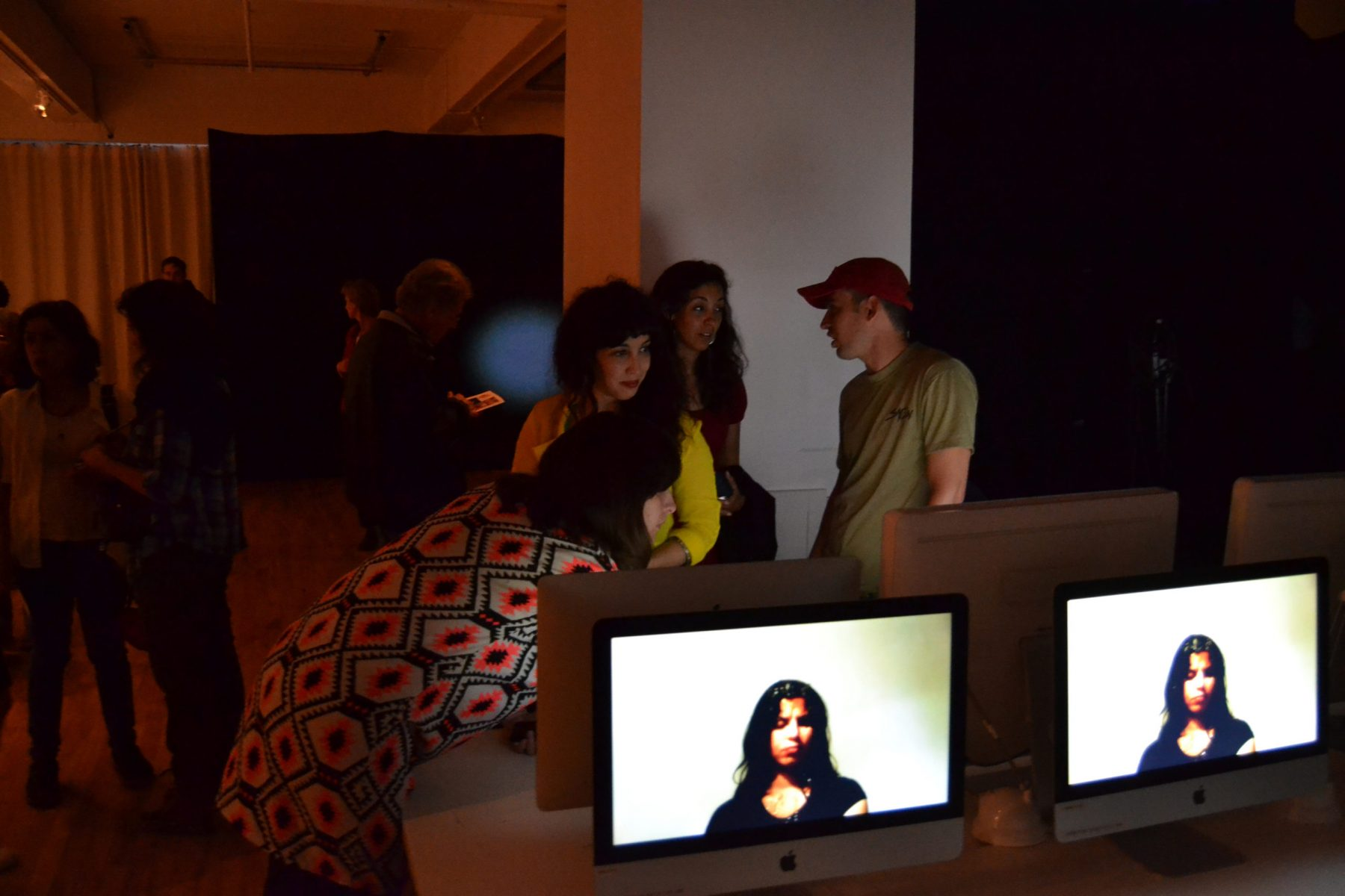 6. A drop of honey, 2013 - Performance, Opening (Naivy Perez)