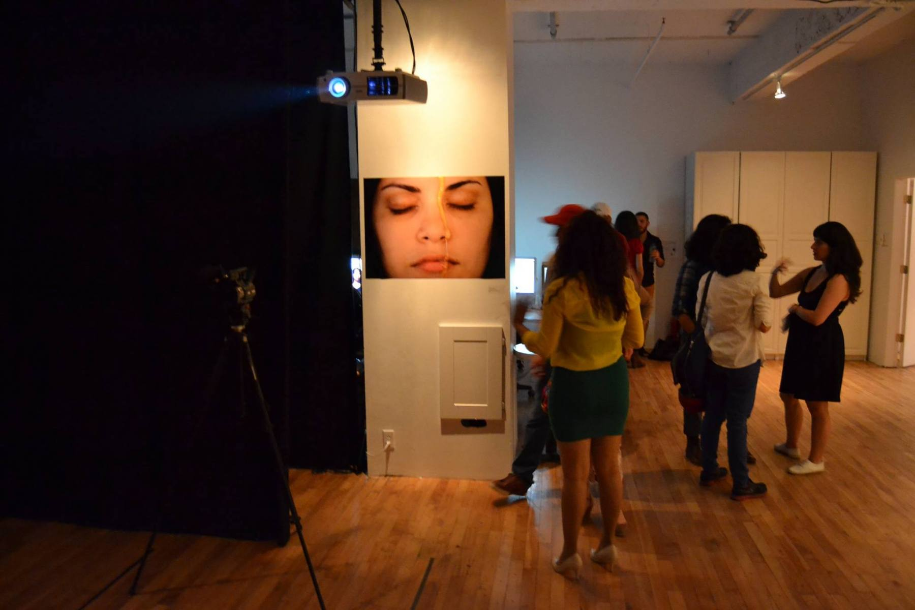 2. A drop of honey, 2013 - Performance, Opening (Naivy Perez)