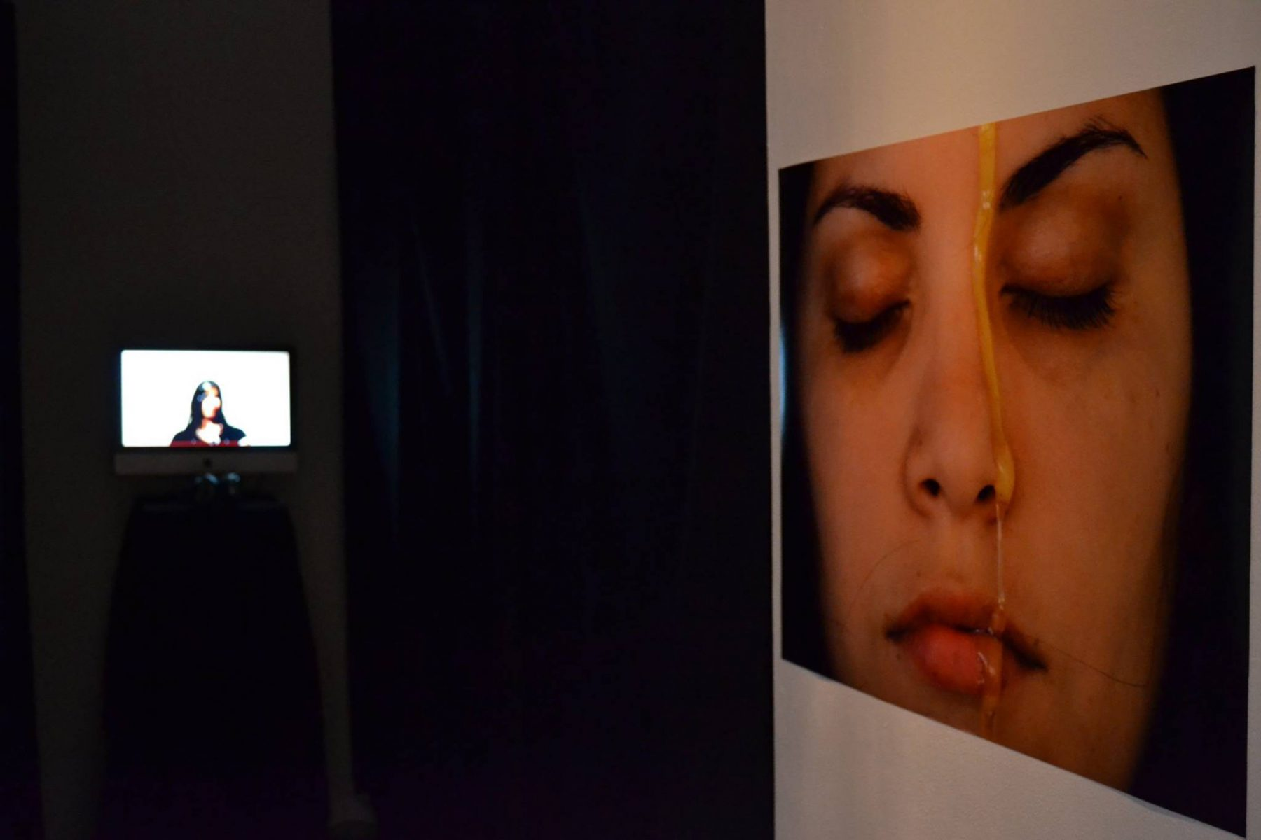 3. A drop of honey, 2013 - Performance, Opening (Naivy Perez)